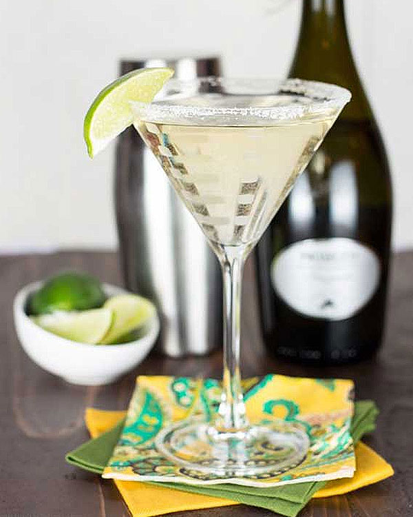 Gin, Elderflower and Prosecco Cocktail